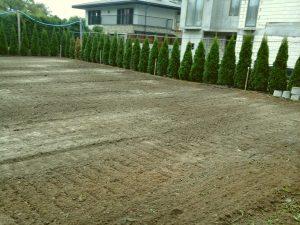 Plantowanie terenu pod trawnik