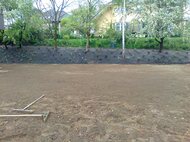 przygotownie terenu pod trawnik ul. Zielonych Jarow