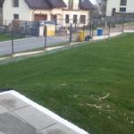 Trawnik i ogrodzenie wykonane w posesji na ul. Hoborskiego